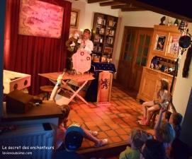 le secret des enchanteurs - spectacle à dimicile - magie - jeux en bois - énigmes - marionnettes - spectacle - anniversaire - mairie - CE - départ en retraite