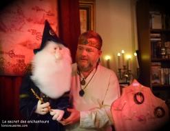 le secret des enchanteurs - spectacle à domicile - magie - marionnettes - énigmes - jeux en bois traditionnels du nord - niko et ses puppets - lille - nord pas de calais