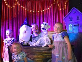 anniversaire à domicile - spectacle marionnette nord - magie - spectacle à la maison - nord