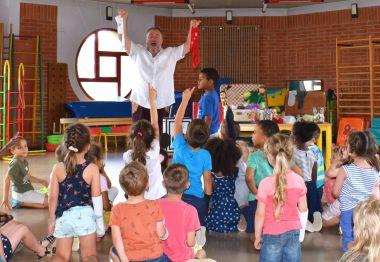 atlelier de Mr chaussette - magie - atelier - fabrication de marionnettes - école - nord pas de calais - centre de loisirs